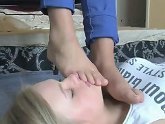 Head massage with Female Feet