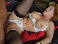 Sexy Mom Kira Enjoys A Well Deserved DP