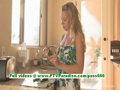 Lena amateur blonde babe masturbating using a zucchini