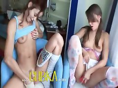 Teen lezzies gathering and dildoing