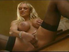 Pornstar bimbo blondes fool around in lesbian vid