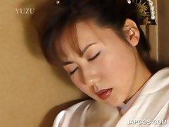 Japanese geisha pleasuring pink twat