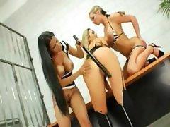 trio girl2girl testing alot of dildos