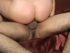 Close up views of fucking that ends in creampie