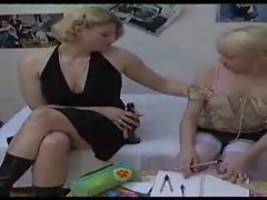 Her aunt wants to play with the cute blonde