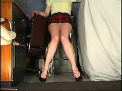 Stupidly short skirt upskirt