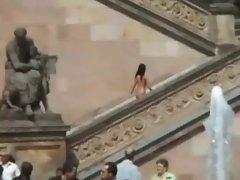 Nakede walking