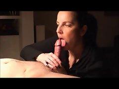 I love sucking the cum in her mouth
