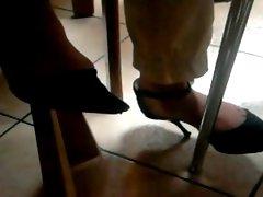 Laura feet