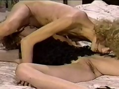 Dirty retro twin sisters in a hot lesbian action