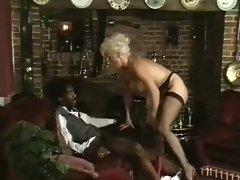 SEXY LADY LYNN ARMITAGE