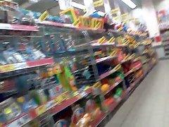 upskirt in hipermarket