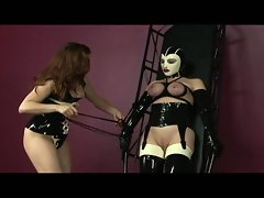 Hot babe get her boobs busted with rope and tied