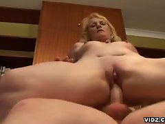 Featuring this nasty, blonde mature slut as she takes in the center...