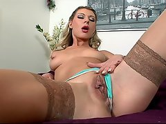 Watch these girls stripteasing and showing their talents HD...