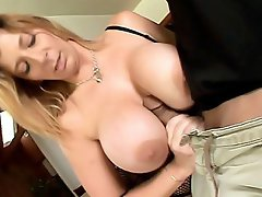 Sara Jay loves her sextoys and here we have her loving them hard....