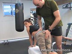 Sergent Deche Baise au Gym