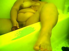 BBW PLAY WITH TOY