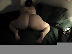 Chubby babe shakes her booty and gets anal