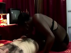 Ebony whore gives him moneys worth during his visit