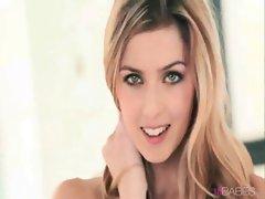 Amazing Blonde Abigaile Johnson - 16babes.com