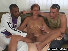 Blondie granny gets slammed by two shafts