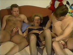 Gruppensex mit Manneruberschuss - Part 3