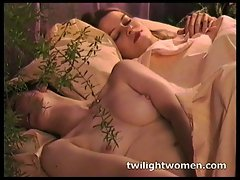 twilightwomen - Wild butch masturbation and kissing