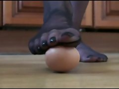 Pantyhose egg crushing