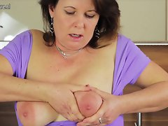 Perfect attractive mature vixen mamma loves to play with her moist quim