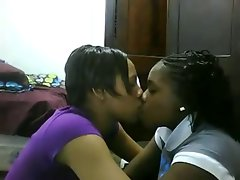 Kissing ladies 53