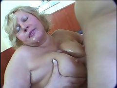 Plump blondie experienced masturbation on bed
