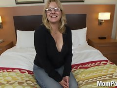 Seductive mom amateur with big melons