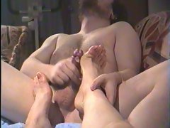 Jacking off on best friends feet